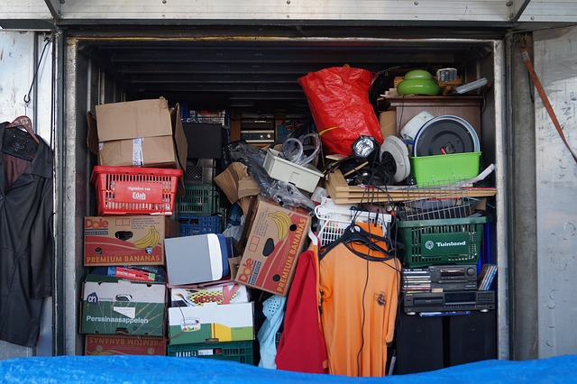 Decluttering home is essential before moving