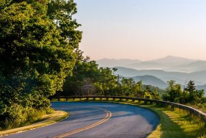 A road in North Carolina and beautiful peaceful scenery which make it one of the best places to start a family in the US.