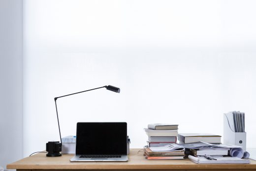 Office desk - Tips for moving your office to another state