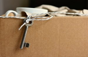 Key Moving Box - Organize an international relocation in 6 easy steps